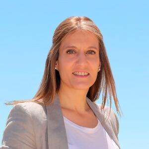 Dª. Carlota López Esteban